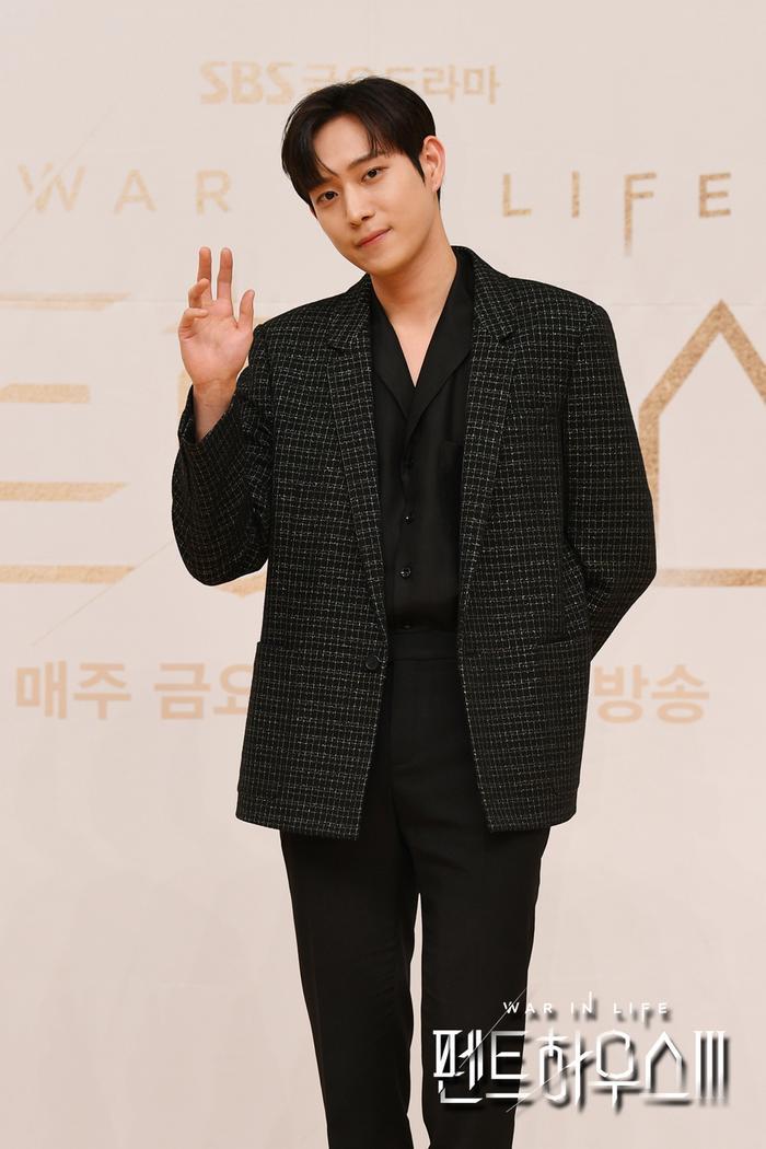 Họp báo 'Penthouse 3': Uhm Ki Joon lộ hint Joo Dan Tae chết, Seok Hun - Bae Rona gặp bi kịch? Ảnh 9