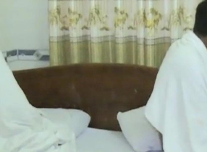 Chủ tiệm hớt tóc điều 3 nữ nhân viên đi bán dâm trong khách sạn giữa mùa dịch COVID-19 Ảnh 1