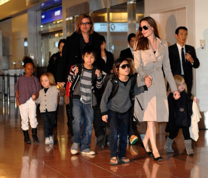 Angelina Jolie giận dữ vì Brad Pitt giành được quyền nuôi con Ảnh 3