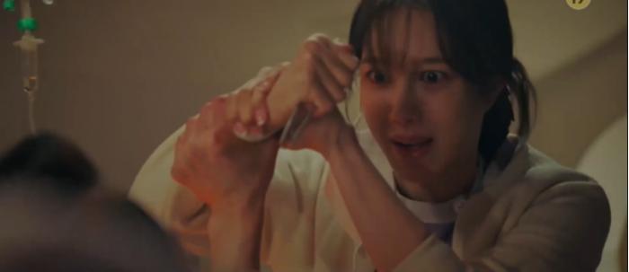 'Penthouse 3' tập 1: Logan banh xác dưới tay dượng Tae, Seo Jin vừa ra tù đã bị cho bay màu ngay tập đầu? Ảnh 33