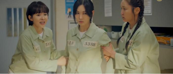 'Penthouse 3' tập 1: Logan banh xác dưới tay dượng Tae, Seo Jin vừa ra tù đã bị cho bay màu ngay tập đầu? Ảnh 9