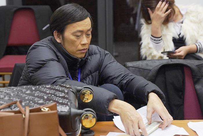 Nghệ sĩ Hoài Linh có bị người hâm mộ 'quay lưng' sau lùm xùm chậm cứu trợ miền Trung? Ảnh 2