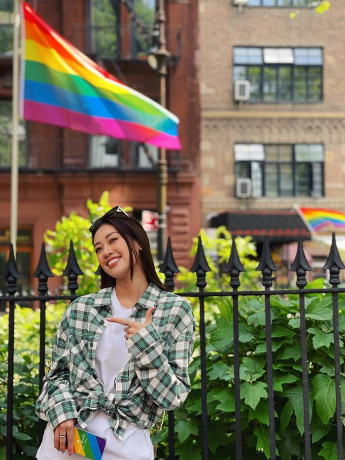 Khánh Vân ủng hộ cộng đồng LGBTQ+, diện đồ lục sắc khẳng định 'yêu là yêu' Ảnh 5