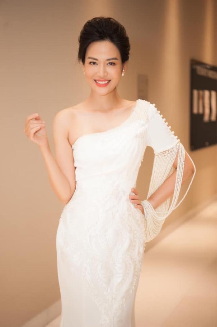 Những khoảnh khắc thời trang đẹp mãi trong lòng khán giả của Hoa hậu Nguyễn Thu Thủy Ảnh 14