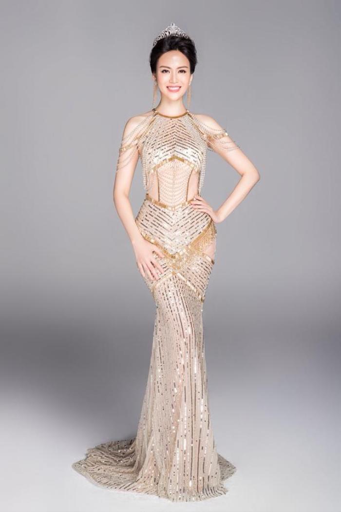 Những khoảnh khắc thời trang đẹp mãi trong lòng khán giả của Hoa hậu Nguyễn Thu Thủy Ảnh 9