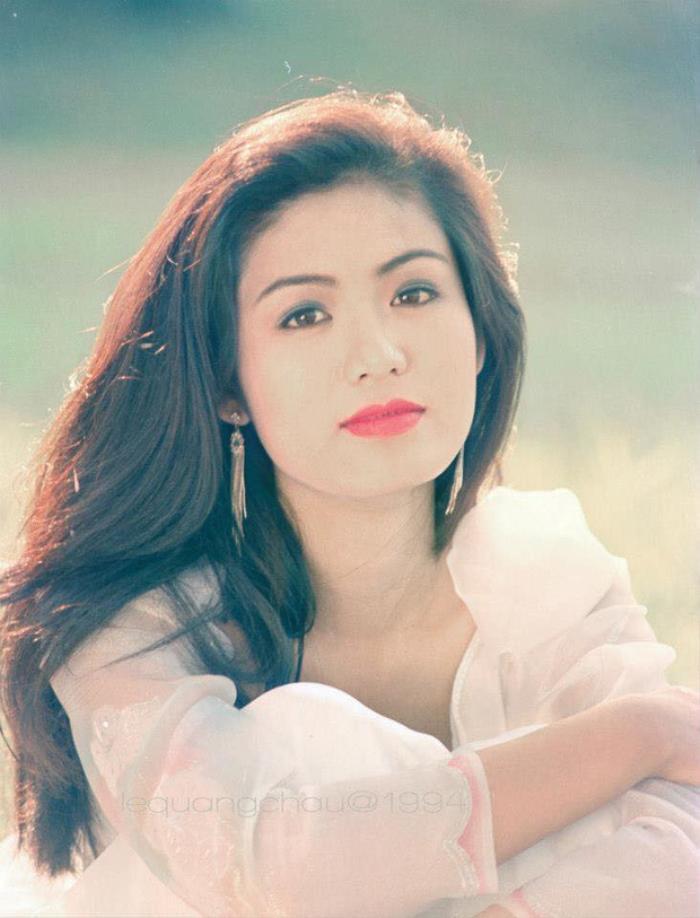 Fan 'khui' lại loạt ảnh Hoa hậu Thu Thủy lúc đăng quang năm HHVN 1994: Nhan sắc kiêu sa khó ai sánh bằng Ảnh 3