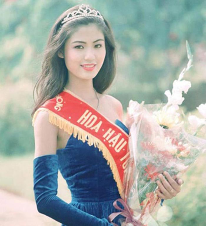 Fan 'khui' lại loạt ảnh Hoa hậu Thu Thủy lúc đăng quang năm HHVN 1994: Nhan sắc kiêu sa khó ai sánh bằng Ảnh 2