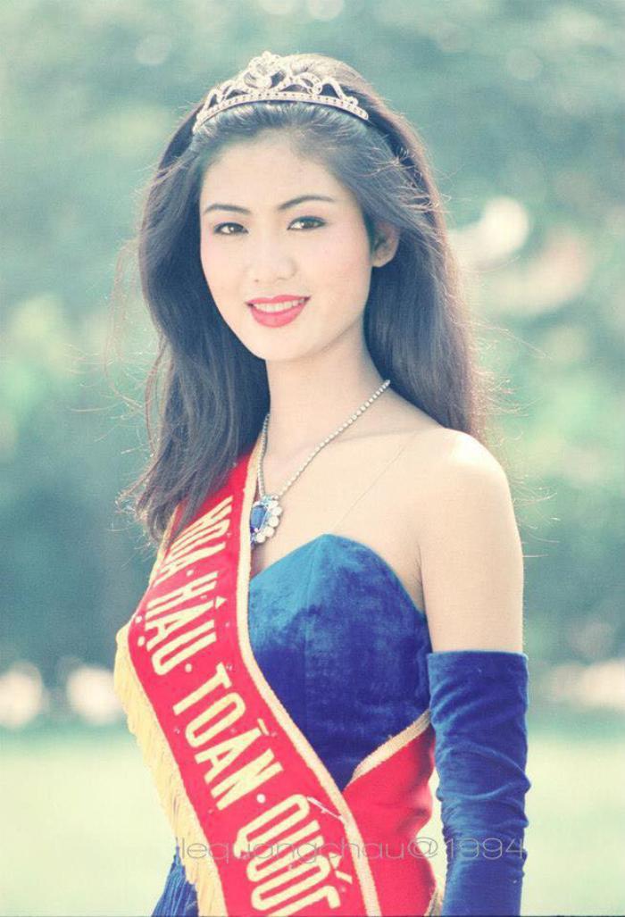 Fan 'khui' lại loạt ảnh Hoa hậu Thu Thủy lúc đăng quang năm HHVN 1994: Nhan sắc kiêu sa khó ai sánh bằng Ảnh 1