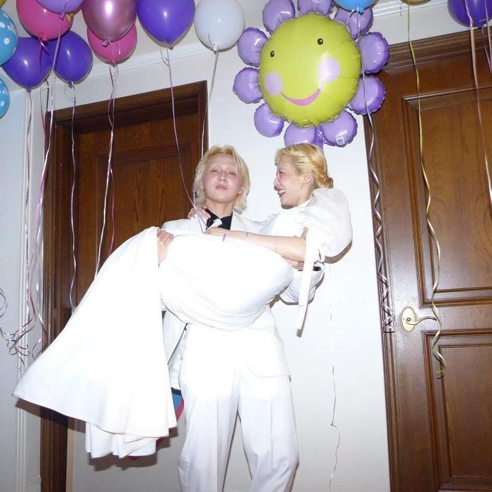 Fan hối 'cưới ngay kẻo lỡ' trước bộ ảnh ngọt ngào của Hyuna và Dawn