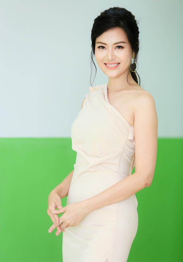 Nhìn lại thành tích của Hoa hậu Thu Thủy vừa qua đời: Sinh ra ở gia đình hiếu học, từng đỗ 3 trường ĐH... Ảnh 3