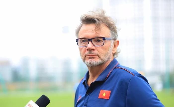 HLV Troussier chia tay bóng đá Việt Nam, dang dở giấc mơ World Cup Ảnh 1