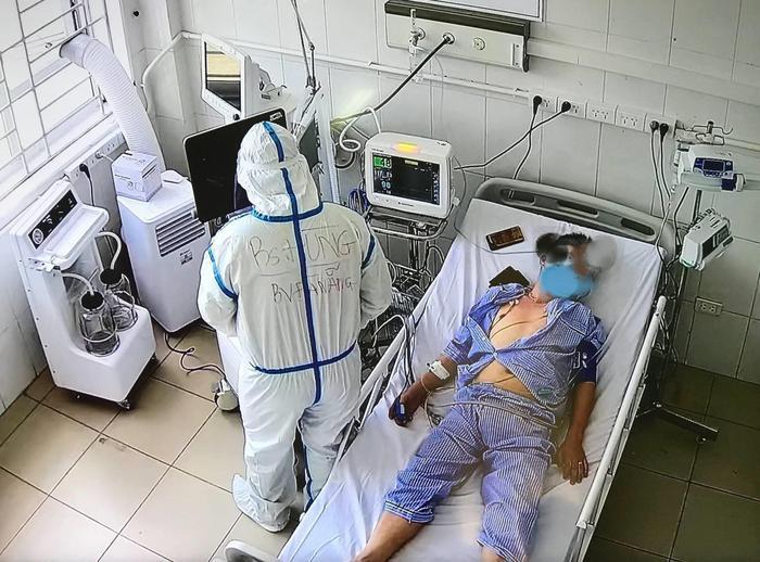 Trung tâm hồi sức tích cực lớn nhất Miền Bắc tại Bắc Giang tiếp nhận 6 bệnh nhân Covid-19 nặng đầu tiên Ảnh 2
