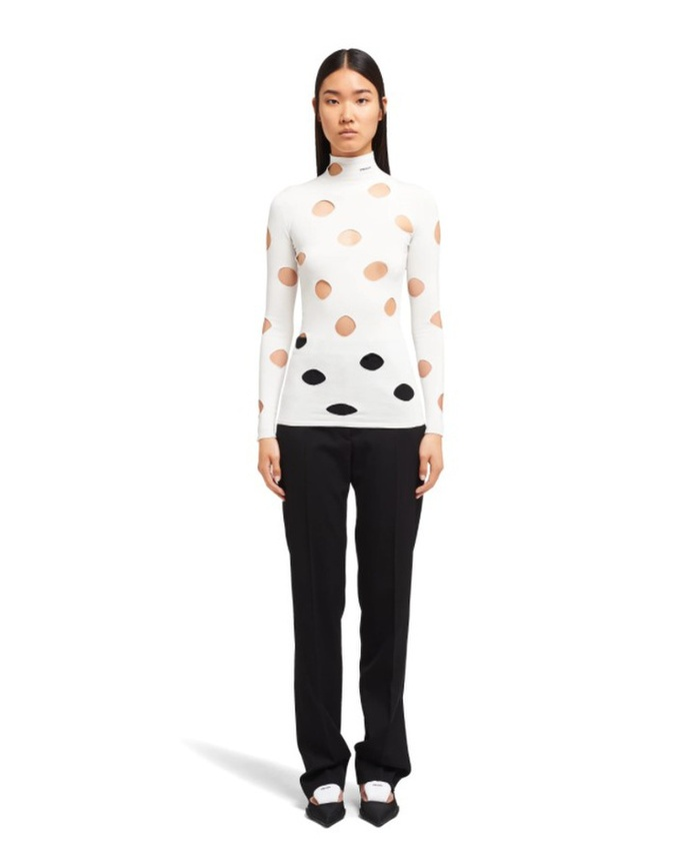 Chiếc áo phông kỳ quặc ghép 3 trong 1 được bán với giá nghìn USD Ảnh 5