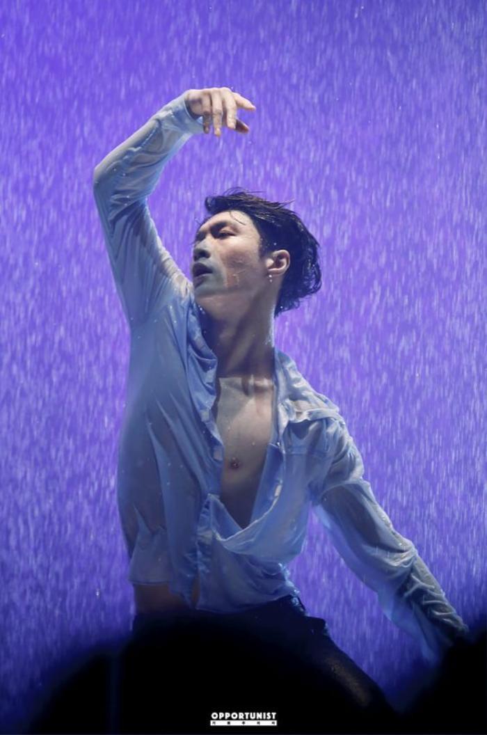 Vương Nhất Bác và Trương Nghệ Hưng trong Street Dance of China 4: Ai giỏi hơn ai?