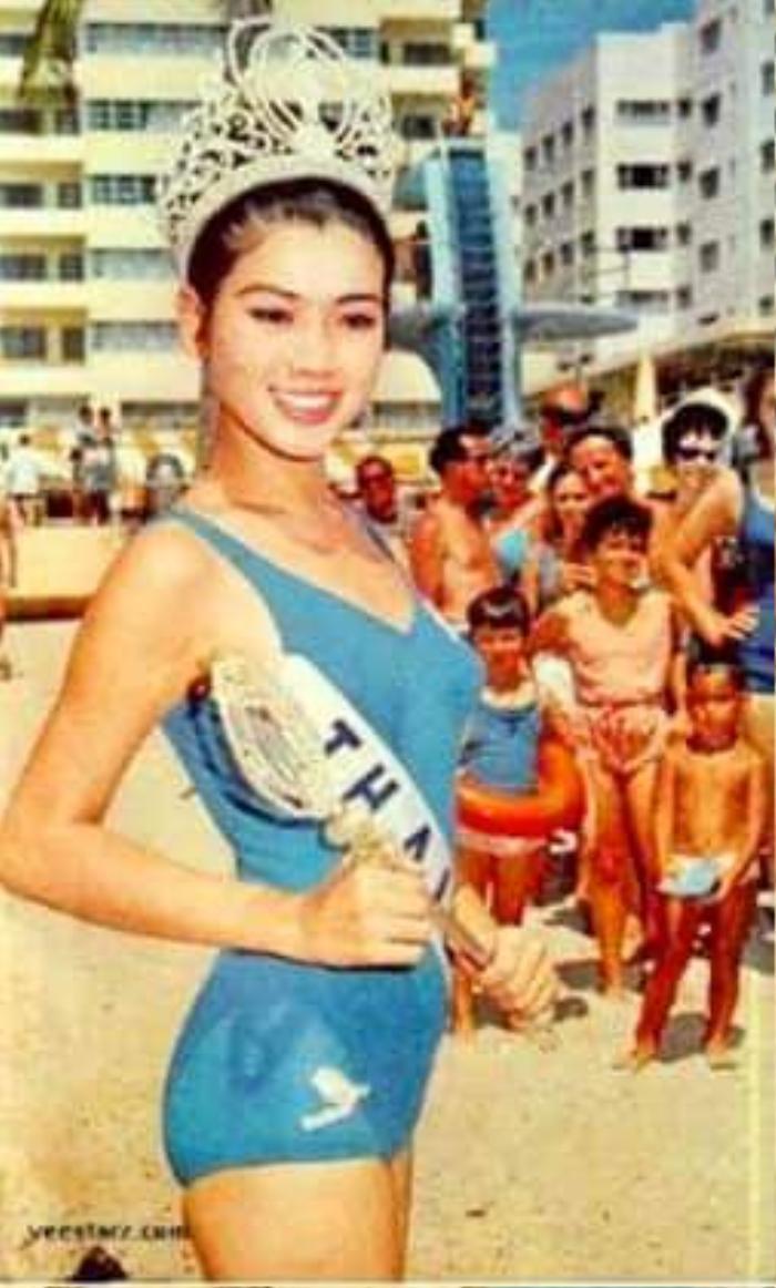 Fan 'choáng' khi phát hiện 'chị em song sinh' là Hoa hậu Quốc tế của Đỗ Thị Hà Ảnh 4