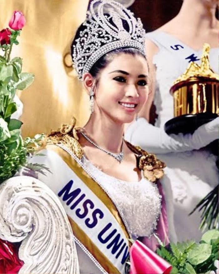 Fan 'choáng' khi phát hiện 'chị em song sinh' là Hoa hậu Quốc tế của Đỗ Thị Hà Ảnh 8