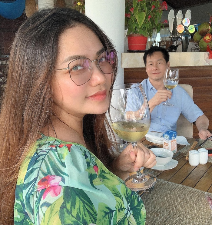 Chồng đại gia của Phan Như Thảo 'than thở' bị vợ theo dõi từng giờ từng phút Ảnh 4