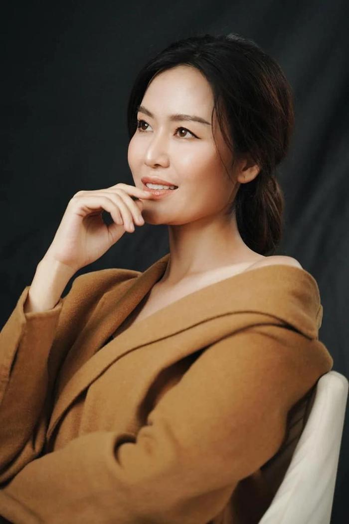 Bộ ảnh thời trang chưa công bố của Hoa hậu Nguyễn Thu Thủy thu hút sự chú ý Ảnh 4
