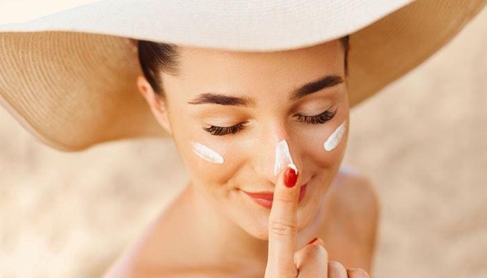 Những cách chăm sóc da vào mùa hè bạn nên biết để có làn da khỏe, đẹp Ảnh 6