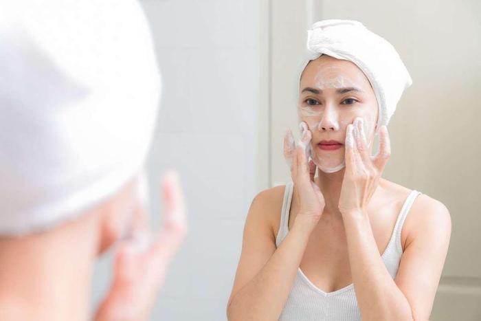 Những cách chăm sóc da vào mùa hè bạn nên biết để có làn da khỏe, đẹp Ảnh 4