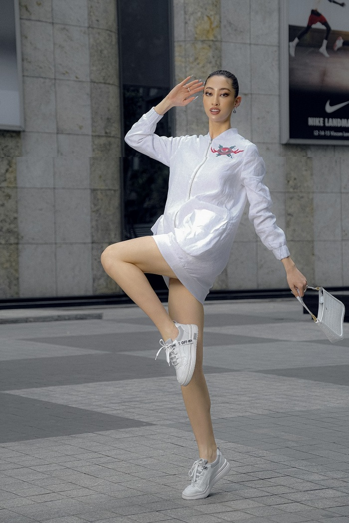 Hoa hậu Lương Thùy Linh khoe eo thon, ngực đầy trong loạt trang phục trắng tinh khiết Ảnh 9