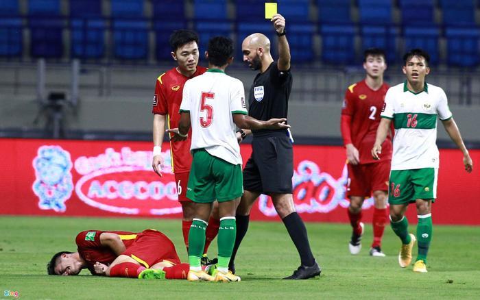 Trọng tài bắt chính trận Việt Nam - Indonesia nhận 'mưa gạch đá' từ dân mạng Ảnh 2