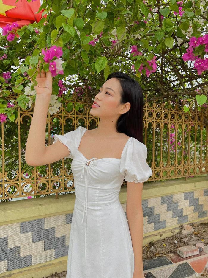 Đỗ Thị Hà nhận cơn mưa lời khen vì nhan sắc xinh đẹp khi khoe ảnh chụp tại nhà Ảnh 5
