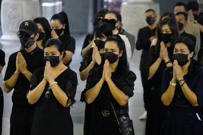 Đỗ Mỹ Linh, Ngọc Hân nén lòng trong tang lễ Hoa hậu Thu Thủy: Ai nấy đều nghẹn ngào, thương xót Ảnh 10