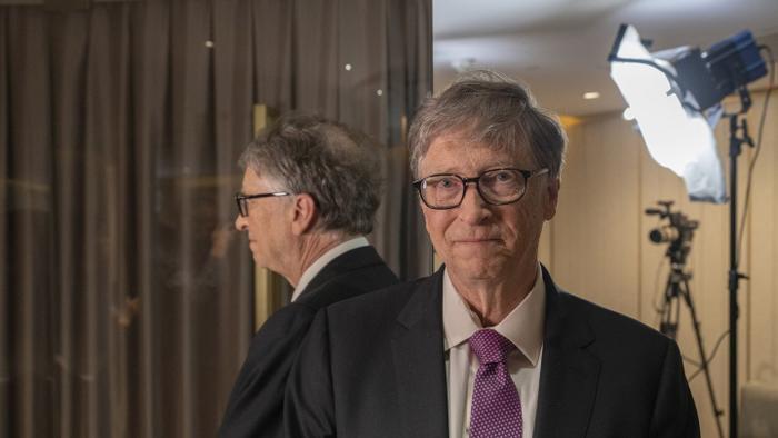 Bill Gates bị tố 'đi làm bằng xe Mercedes, hẹn hò bằng siêu xe Porsche' Ảnh 2