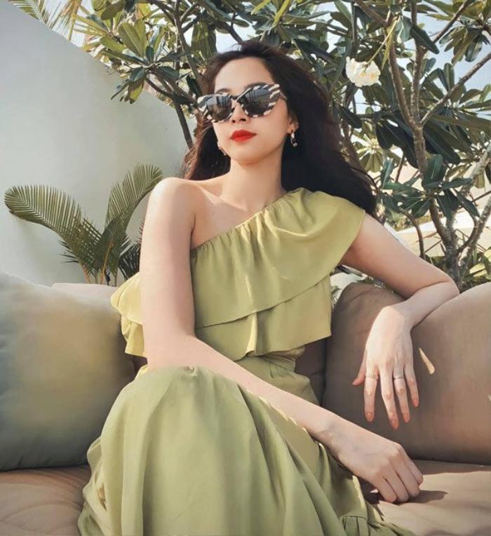 Tăng Thanh Hà & Hoa hậu Thu Thảo dù lấy chồng siêu giàu vẫn thường xuyên mặc lại đồ cũ Ảnh 13