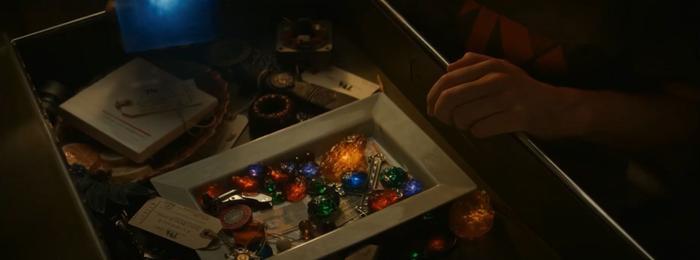 TV series 'Loki' mở màn như tấu hài, 'thần điêu đại bịp' bị hành ngay từ tập 1