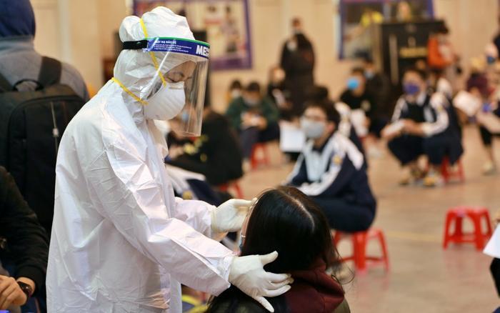 Hà Nội: Thêm ca dương tính với SARS-CoV-2 là con gái 6 tuổi của người đi mua rau tại thị trấn Đông Anh Ảnh 1