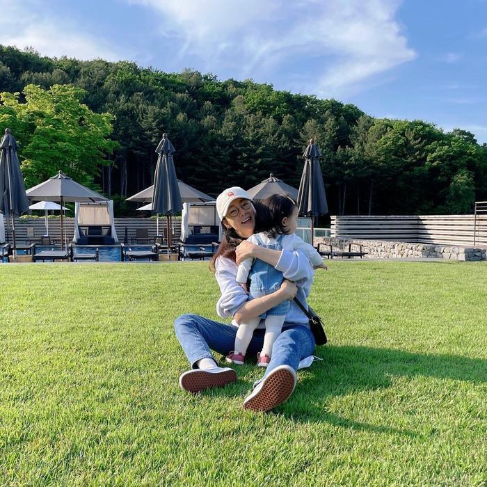 Chồng Choi Ji Woo tố ngoại tình, lộ ảnh dẫn gái vào khách sạn! Ảnh 9