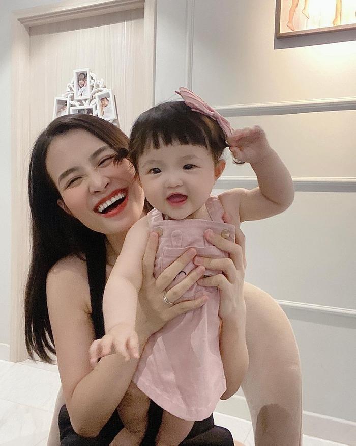 Khoe ảnh chụp cùng con gái cưng, Đông Nhi liền bị Mai Phương Thúy và loạt sao Việt trêu Ảnh 3