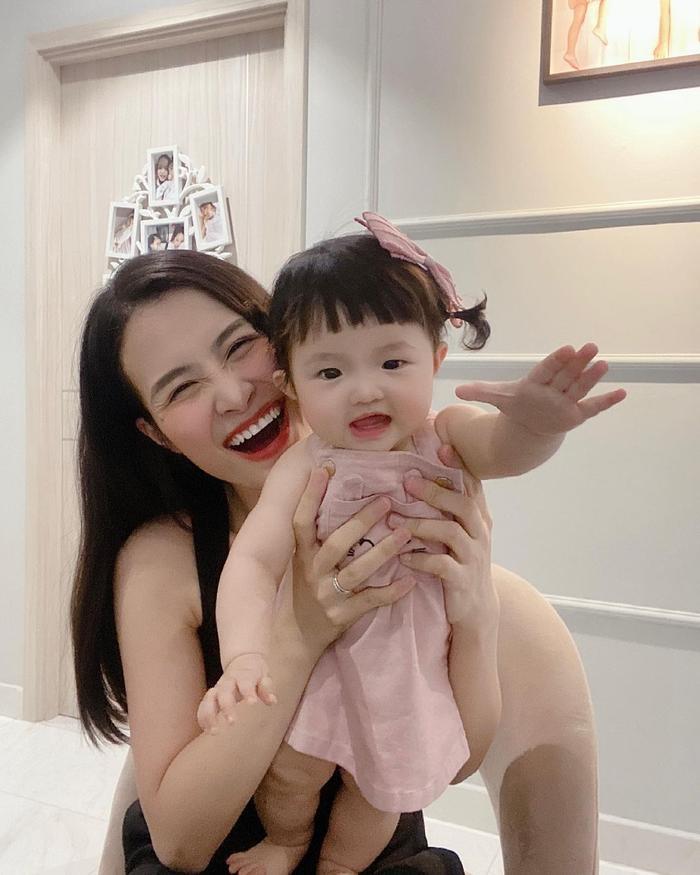 Khoe ảnh chụp cùng con gái cưng, Đông Nhi liền bị Mai Phương Thúy và loạt sao Việt trêu Ảnh 4