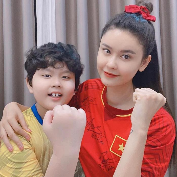 Sau Hoài Linh, Trương Quỳnh Anh tiết lộ mắc bệnh tuyến giáp, vừa phẫu thuật với vết mổ dài Ảnh 3