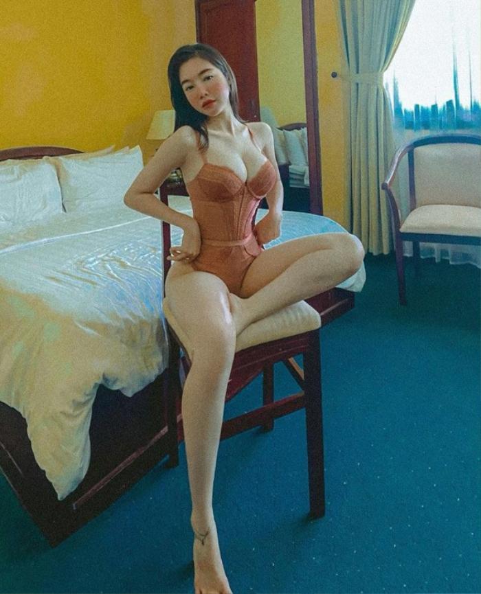Elly Trần diện bikini bốc lửa nhưng fan lại khuyên cô đừng mặc nữa, vì sao? Ảnh 8
