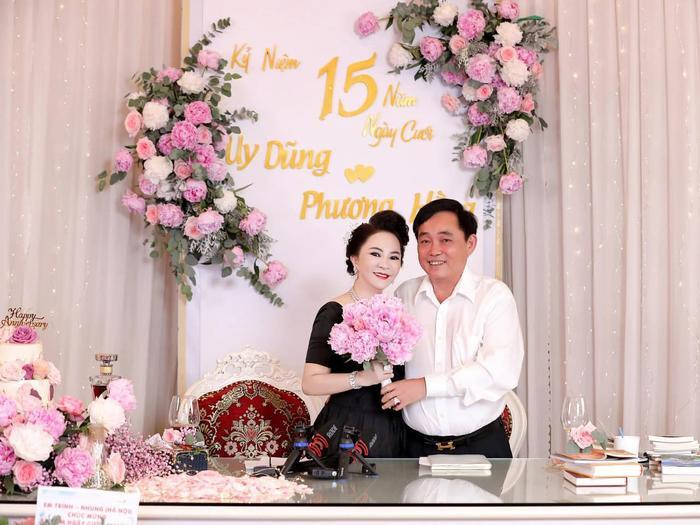 Nữ CEO Đại Nam tung bộ ảnh kỉ niệm 15 năm ngày cưới bên gia đình Ảnh 8