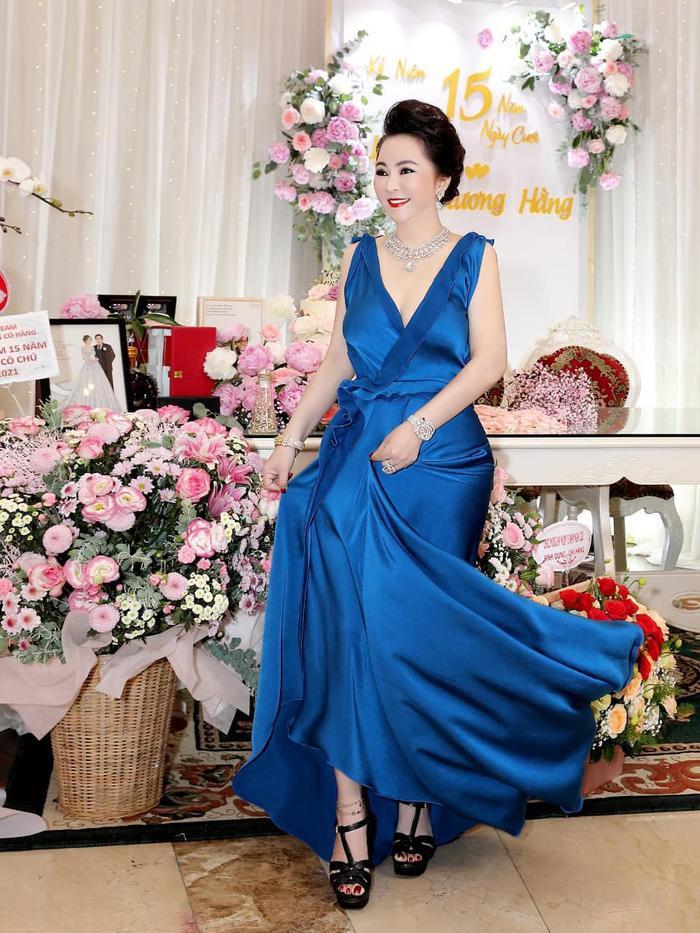 Nữ CEO Đại Nam tung bộ ảnh kỉ niệm 15 năm ngày cưới bên gia đình Ảnh 7