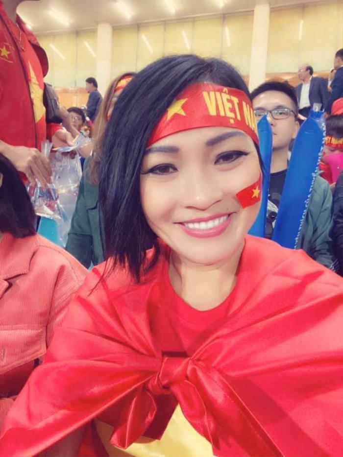 Trước giờ G, dàn sao Việt trổ tài dự đoán tỉ số trận Việt Nam - Malaysia Ảnh 5