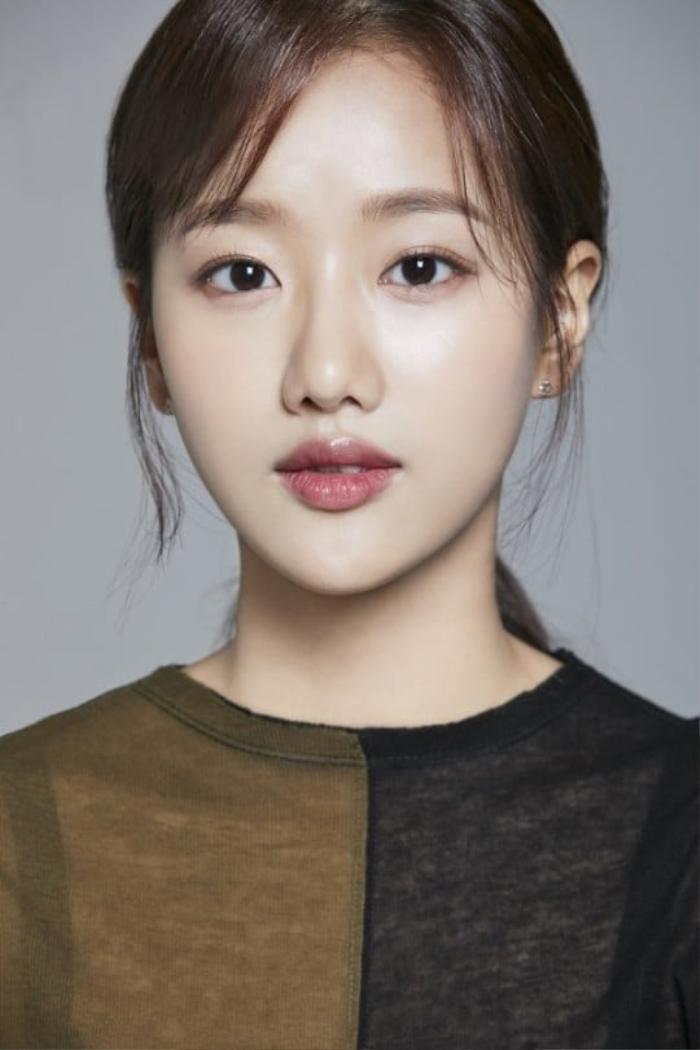 Netizen khó hiểu khi Naeun lên tiếng về scandal bắt nạt Huynjoo nhưng lại nói sẽ yêu thương bản thân hơn Ảnh 6