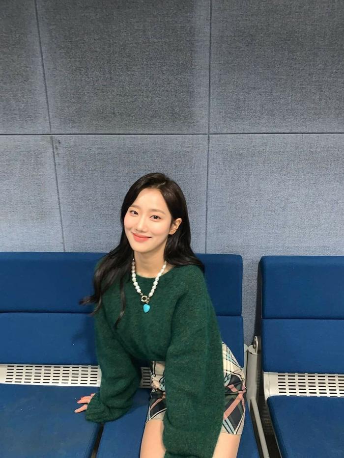 Netizen khó hiểu khi Naeun lên tiếng về scandal bắt nạt Huynjoo nhưng lại nói sẽ yêu thương bản thân hơn Ảnh 4