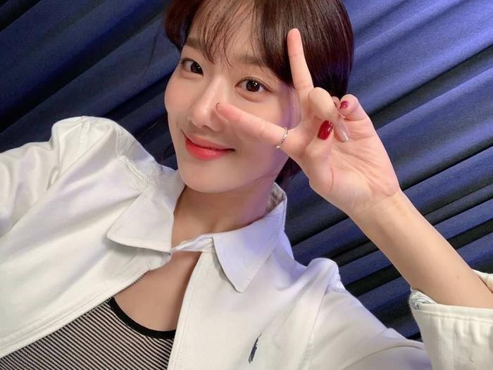 Netizen khó hiểu khi Naeun lên tiếng về scandal bắt nạt Huynjoo nhưng lại nói sẽ yêu thương bản thân hơn Ảnh 3