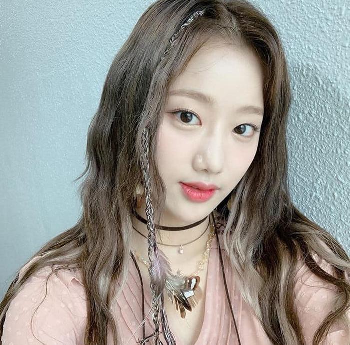 Netizen khó hiểu khi Naeun lên tiếng về scandal bắt nạt Huynjoo nhưng lại nói sẽ yêu thương bản thân hơn Ảnh 1
