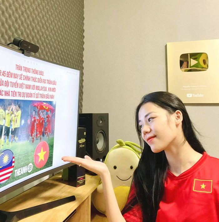 'Thánh cover' Hương Ly: Công Phượng và Xuân Trường ghi bàn, Việt Nam thắng đậm Malaysia Ảnh 2