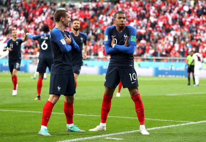 Đêm nay khai mạc EURO 2020: Lịch sử gọi tên người Pháp? Ảnh 1