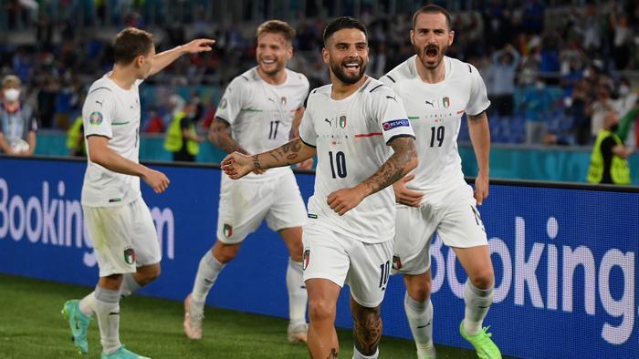 Italia đi vào lịch sử trong ngày khai màn EURO 2020 Ảnh 1