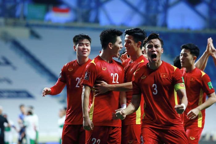 Quế Ngọc Hải tiết lộ 'trò bẩn' của cầu thủ Malaysia trước khi sút quả penalty định mệnh Ảnh 1