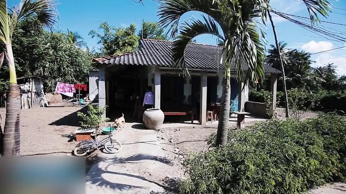 Nghẹn ngào nhìn căn nhà xập xệ ở quê của Hồ Văn Cường sau hơn 5 năm đi hát Ảnh 6