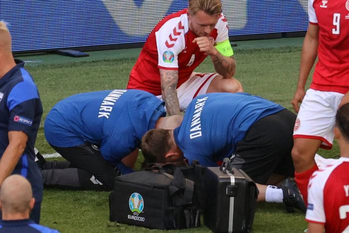 EURO 2020: Thiết bị giúp cứu sống Christian Eriksen trong khoảnh khắc cận kề 'cửa tử' Ảnh 3